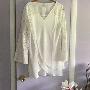 NWOT HOT IN HOLLYWOOD WHITE LACE &  CHIFFON BLOUSE